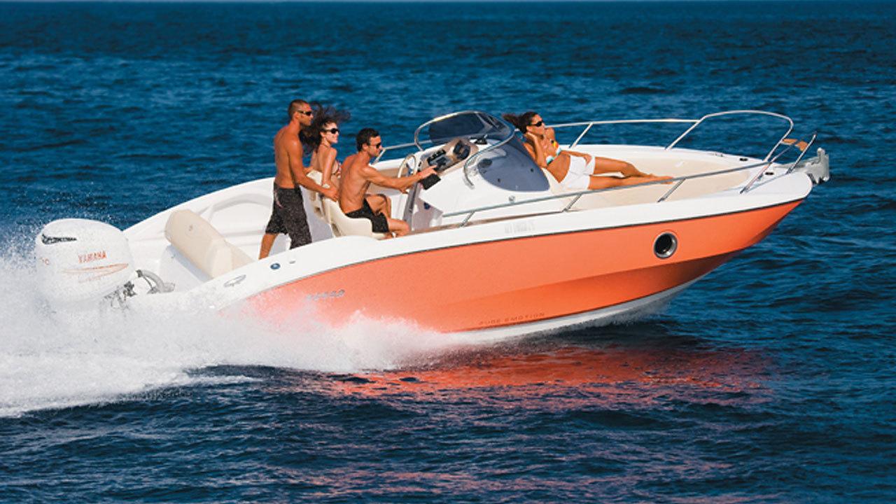 sessa marine key largo 24 usato walk around italia mare s r l. Black Bedroom Furniture Sets. Home Design Ideas
